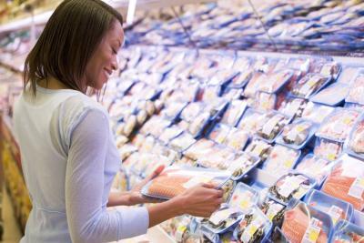 Pescados y mariscos: Precauciones al comprarlos y consumirlos