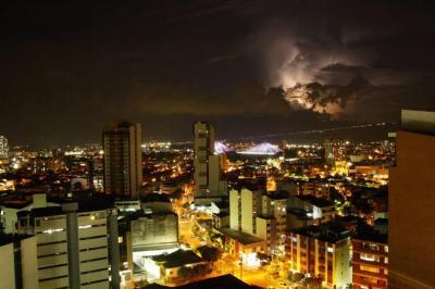 ¿Por qué tormentas eléctricas azotaron a Santander este miércoles?