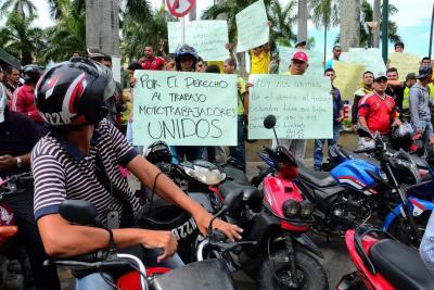 Transportadores 'piratas' de Bucaramanga organizan nueva movilización