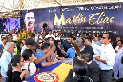Cuerpo del Gran Martín Elías descansará junto a tumba de su padre