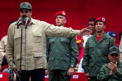 Maduro anunció que entregará fusiles a medio millón de civiles en Venezuela