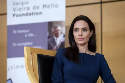 Angelina Jolie compra mansión por 25  millones de dólares