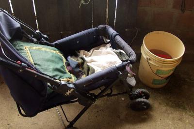 Ahogado en un balde murió bebé en Santander