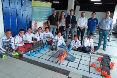 Santandereanos participan en Torneo Internacional de Robótica