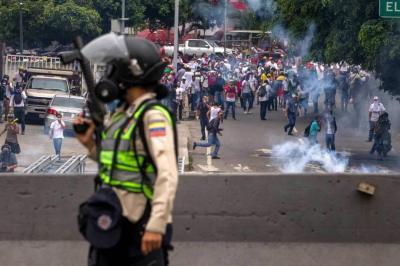 En medio de disturbios, opositores volvieron a marchar este jueves en Venezuela