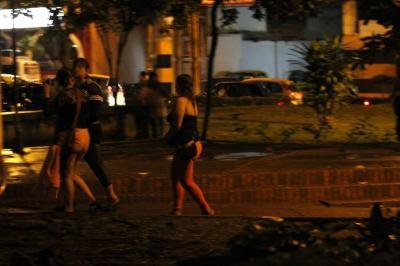 """Temen """"guerra"""" entre trabajadoras sexuales colombianas y venezolanas en Bucaramanga"""