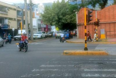 Eliminan giro a la izquierda en la carrera 33 con calle 56 de Bucaramanga