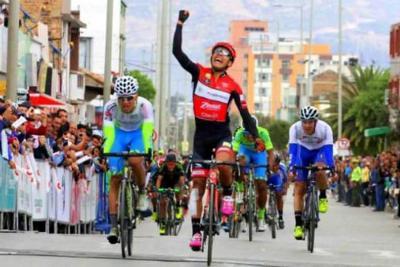 Santandereano Sergio Martínez no suelta la punta de la Vuelta de la Juventud