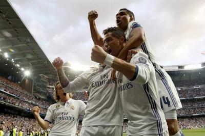 Sin James, Real Madrid venció 3-0 al Atlético y dejó casi lista la Eliminatoria