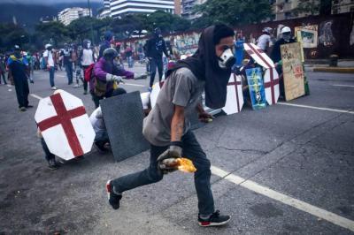 Suspenden el porte de armas por 180 días en Venezuela