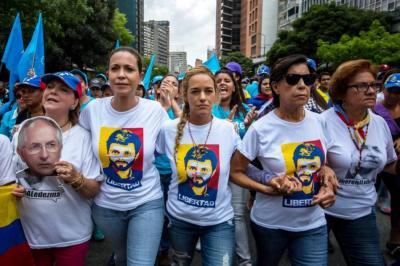 Continúan manifestaciones en Venezuela