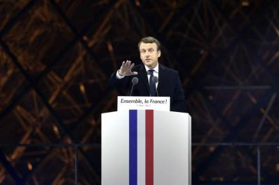 """Emmanuel Macron promete combatir """"el miedo"""" y las """"divisiones"""" en Francia"""