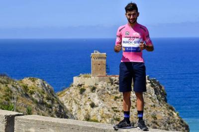 """""""Sé que será imposible para mí conservar la maglia rosa"""": Fernando Gaviria"""