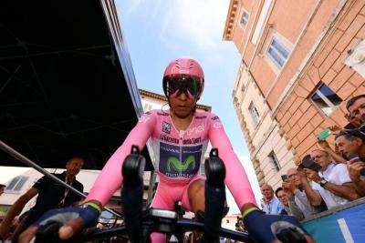 Nairo Quintana perdió la camiseta de líder en la etapa 10 del Giro