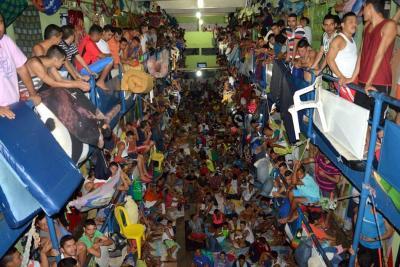Idean 'plan choque' contra hacinamiento en Cárcel Modelo de Bucaramanga