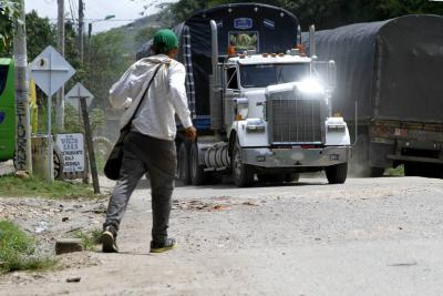 Joven murió arrollado por un tractocamión en Bucaramanga