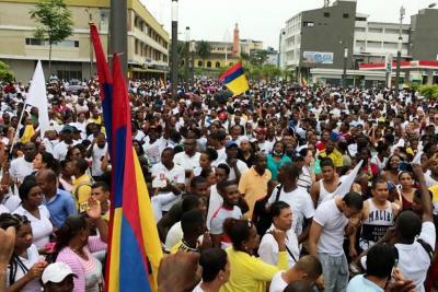 Continúan protestas en Buenaventura, ciudadanos marcharon este sábado