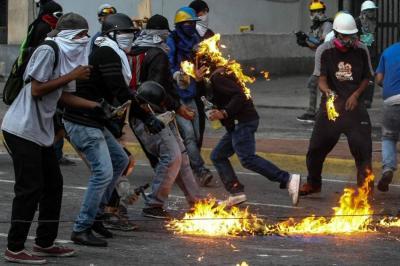 """El gobierno venezolano capturó al menos a 26 personas que acusa de """"terrorismo"""""""