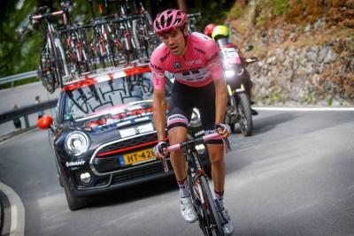 Quintana se acercó al liderato de Dumoulin