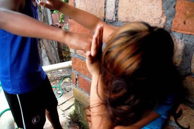 Denuncian agresión e intento de abuso contra una mujer en Santander