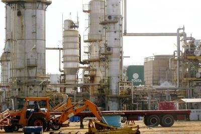 El petróleo en Venezuela, un sector en crisis profunda