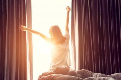 Siga estos consejos para levantarse temprano