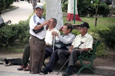 Más de cuatro millones de adultos mayores en Colombia no tienen pensión