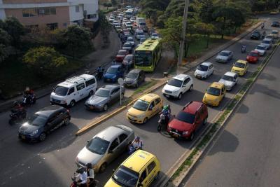 """""""En pulso entre Alcaldía y concejales por Pico y Placa pierde Bucaramanga"""""""