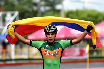 Santandereano Gian Carlo clasificó a la selección Colombia de Patinaje