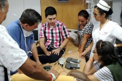 Un corazón que une una 'Amistad de titanio' en Bucaramanga
