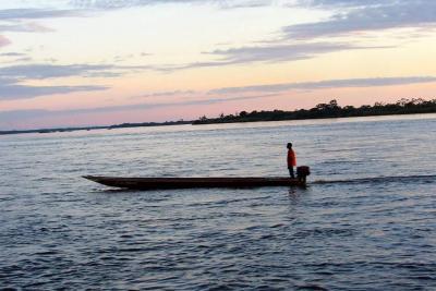 Hallan un cadáver en aguas del Magdalena