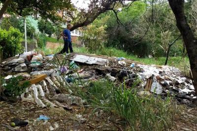La quebrada La Calavera está peor que un basurero