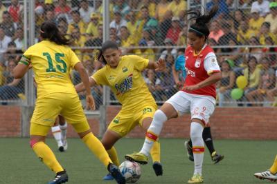 Las niñas del Bucaramanga necesitan derrotar a Santa Fe