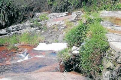 Murió comerciante al caer en pozo turístico en Santander
