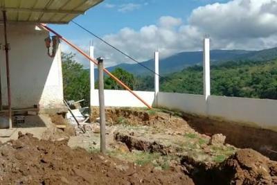 Rocas amenazan la vida de comunidad de San Gil