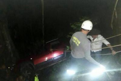 Hombre fallece en volcamiento de vehículo en Confines, Santander