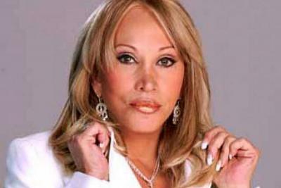 Laura León planea  posar en revista para  caballeros