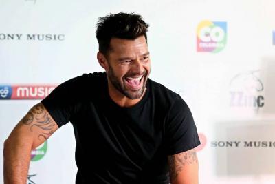 """Cantante Ricky Martin informó que contraerá matrimonio en una """"ceremonia inmensa"""""""