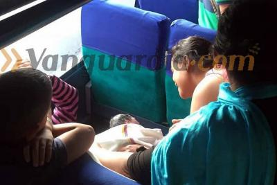 Dio a luz en un bus que cubría la ruta entre Puerto Wilches y Bucaramanga