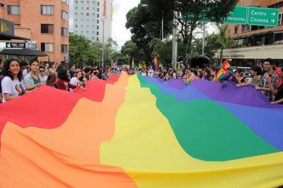 Al interior de la marcha del orgullo gay en Bucaramanga