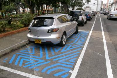 Al Municipio se le criticó el hecho de haber demarcado Zonas Azules sin siquiera tener una reglamentación oficial.