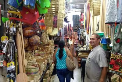 Cobro de bolsas plásticas generó 'boom' de los canastos en Bucaramanga