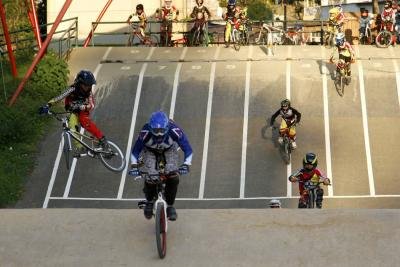 19 santandereanos buscarán títulos mundiales de BMX junto a Mariana Pajón
