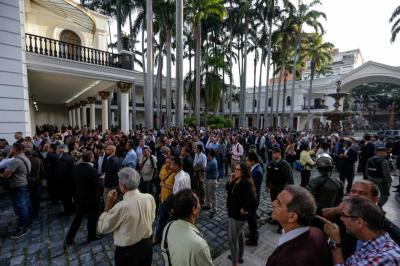 Gobierno de Venezuela ordenó atacar  el Legislativo: oposición