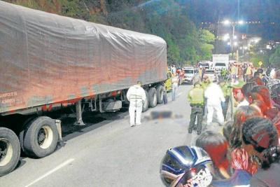 Mujer perdió la vida tras ser arrollada por un bus en Girón