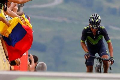 Nairo Quintana recortó tiempo en la general y revive en el Tour de Francia
