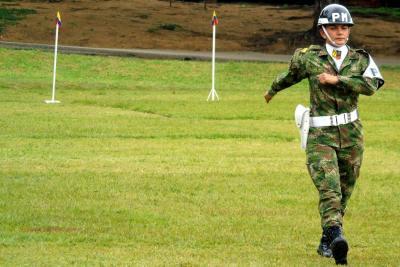 La batalla por la igualdad de las mujeres que hacen parte del Ejército