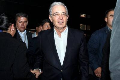 Uribismo se reacomoda en Santander y defiende a Álvaro Uribe