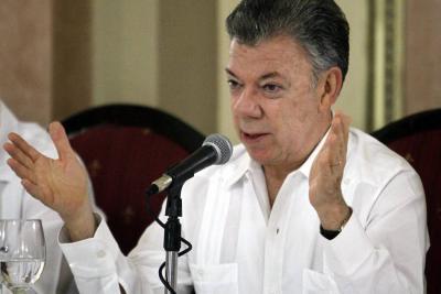 Santos insiste a Maduro que desmonte Constituyente en Venezuela
