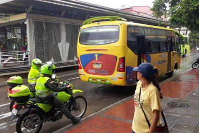 Las dos rutas de la prueba piloto se implementarán con buses convencionales de la empresa Transcolombia. Estos saldrán de la ruta 15 que se suspenderá temporalmente.